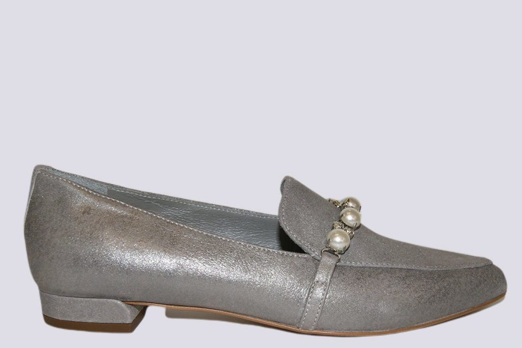 Pearl-Moon-Rock-Loafer
